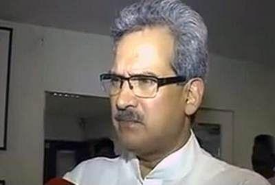 Sena leader Anil Desai leaves for Delhi
