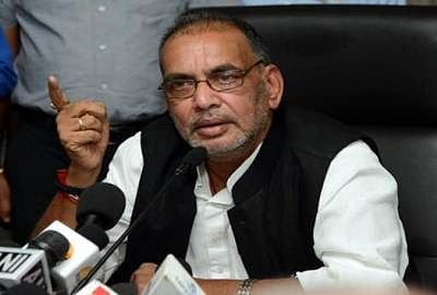 Agriculture Minister Radha Mohan Singh to visit Maharashtra today to assess loss of crop