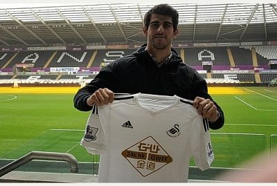 Benfica striker Oliveira to join Swansea