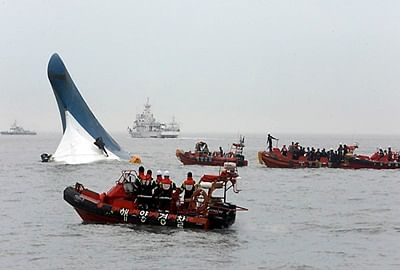 Toll rises in South Korean ship sinking