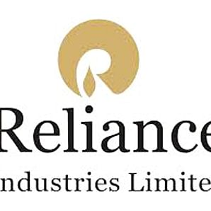 RIL's Q3 net profit rises to Rs 11,640 cr