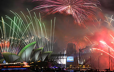 World rings in 2015 with parties, fireworks