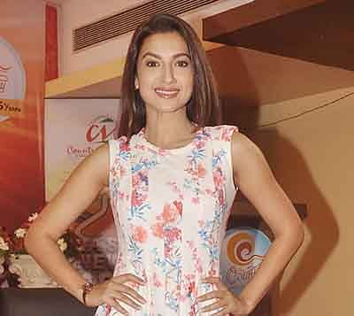 No pressure on marriage, want to set a career first: Gauhar Khan