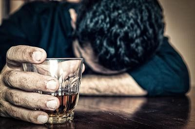 5 dead; 20 hospitalized after consuming spurious liquor in Mumbai