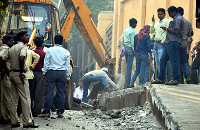 Mumbai: Bombay High Court fumes over illegal constructions