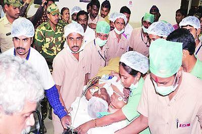 Govind Pansare's mortal remains flown to Kolhapur for last rites
