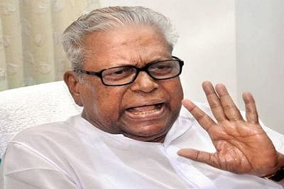 V.S. Achuthanandan criticised in party meet, walks out