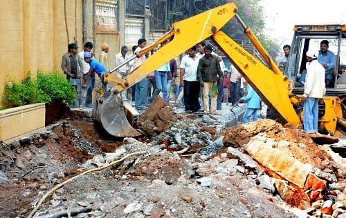 BMC demolishes ramp outside Shah Rukh Khan's 'Mannat'