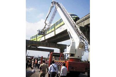 City firemen rescue Monorail commuters