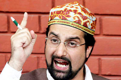 India,Pak must not allow peace process to be derailed: Mirwaiz