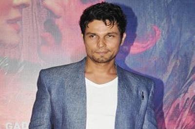 Randeep Hooda turns showstopper for fashion event