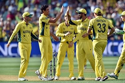 Australia take 3 cheap wickets but Root rolling after drop
