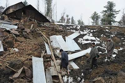 Three of family buried alive in Himachal landslide