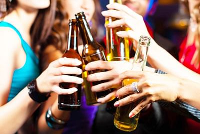Binge drinking with chronic alcohol use damages liver faster