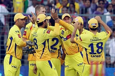 Chennai Super Kings lock horns with MI to lift IPL trophy