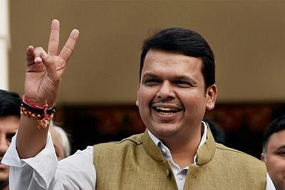 Maha CM clarifies jibe but does not clear air
