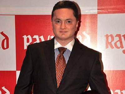 Singhania family  settles property dispute after 9 yrs