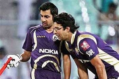 KKR opt to bowl against CSK