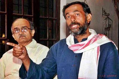 AAP disciplinary committee expels Prashant Bhushan, Yogendra Yadav