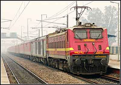 Rajdhani and August Kranti diverted to MP
