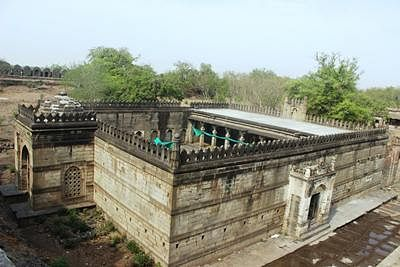 Paranda Fort: Neglected military architecture