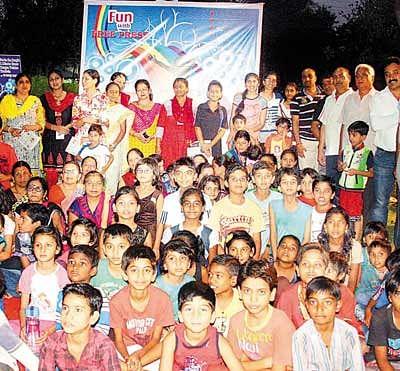 Fun and Games with Free Press at Tulsi Nagar