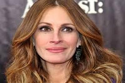 I am quite enamored with Amal Clooney : Julia Roberts