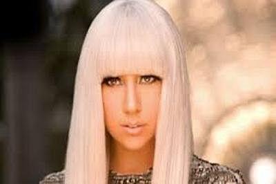 Singer Lady Gaga hires Vera Wang for wedding dress?