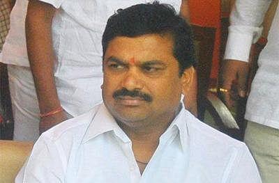 Maharashtra: In 8 months Ram Shinde gets four secretaries