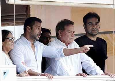Slum Dwellers protest against Salman's bail