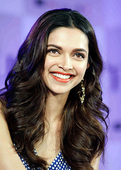 'Jackets backward' to set new trend, feels Deepika Padukone