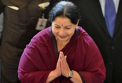 Jayalalitha announces Rs.318 crore Pongal gift