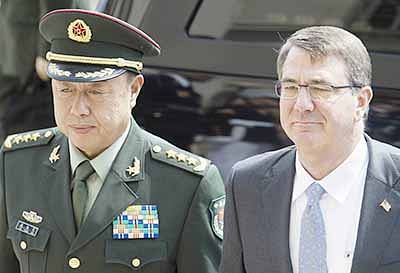 Stop island building, Pentagon warns China