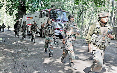 Four aides of  Lashkar-e-Taiba (LeT) terrorists arrested in Jammu & Kashmir's Budgam district