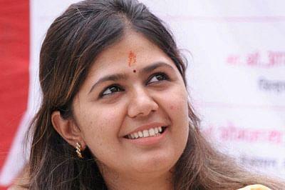 High Court scraps tender, Pankaja Munde in a spot