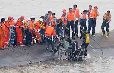 Hundreds perish in tragedy on Yangtze river