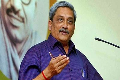 Parrikar moots the idea for  raising all women battalion
