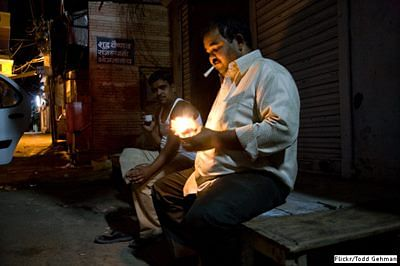 Stealthily, Smoke Kills 1 in 8 Indians