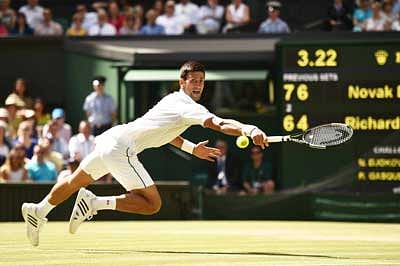 Ruthless Djoko one step away from Wimby glory