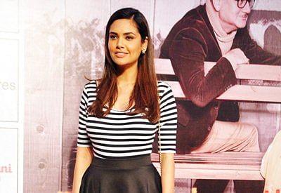 Rekha, Simi iconic fashion figures: Esha Gupta
