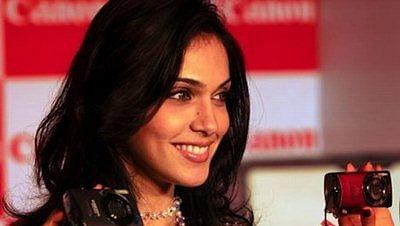Isha Koppikar wants biopic on Kiran Bedi, Indira Gandhi