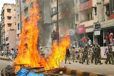Security forces stage flag march in curfew-bound Jamshedpur