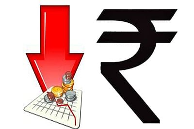 Rupee dips16 paise to 73.77 against US dollar in early trade