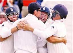England beat odds to down Oz in first Test
