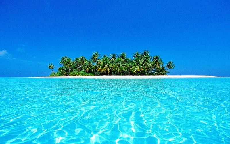 The blue lagoon of Kalpeni.<br />Picture Credits: josequirino.wordpress.com