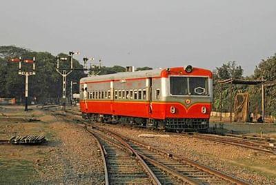 Passengers push rail-bus on track to help it restart