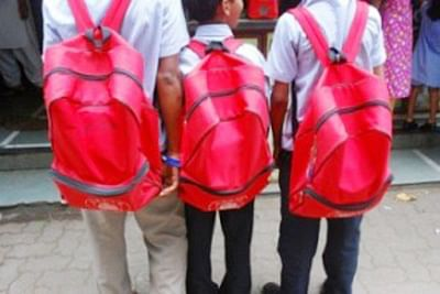 HC asks Maharashtra to issue circular on weight of school bags