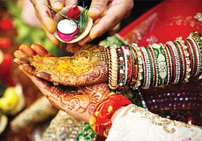 'Muhurat' doesn't drive marriage decisions for single Indians