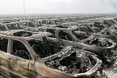 Chem blasts rain death in China