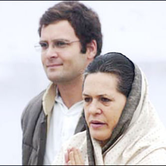 Sonia, Rahul skip Uddhav's swearing-in, wish him the very best